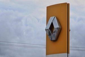 Fitch rebaja la nota de Renault, que queda a un escalón del bono basura y con perspectiva 'negativa'
