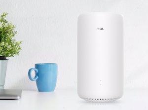 TCL añade a su ecosistema su primer 'router' 5G y nuevos auriculares inalámbricos