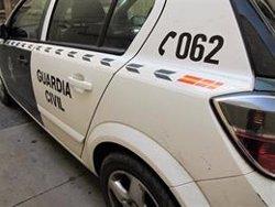 Detenido tras abandonar a su hijo en la autovía para entretener a los agentes y huir de un control