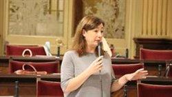 Armengol defiende que Baleares tiene dos lenguas oficiales y una propia, el catalán, que