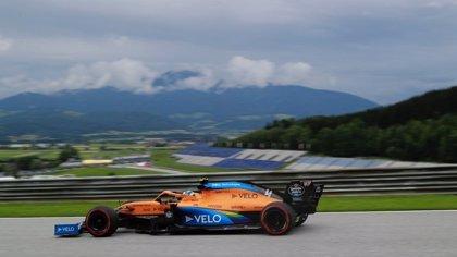 La nueva F1 se abre con el viejo dominio de Mercedes y Sainz en cuarta posición
