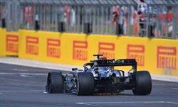 Pirelli investiga los pinchazos de Hamilton y Carlos Sainz