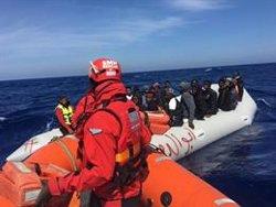 Cae más de un 38% la llegada de migrantes a España en los primeros siete meses, pero en Canarias crece un 454% por mar