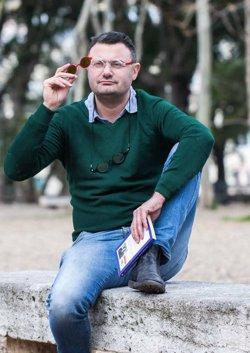 La SEEBV crea un teléfono gratuito para personas con baja o frágil visión