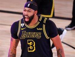 Un triple sobre la bocina de Davis pone el 2-0 favorable a los Lakers frente a Denver