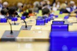 La Eurocámara reclama inversiones a Bruselas para acabar con la brecha digital y favorecer la educación a distancia