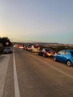 Una caravana de más de 500 vehículos exige el fin del cierre total de la hostelería en Melilla