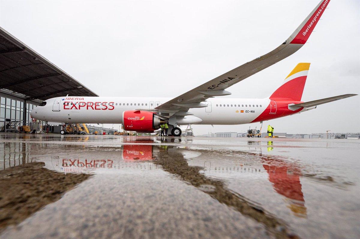 Iberia Express ofrecerá estas Navidades 165 vuelos adicionales con Canarias - Descubrir