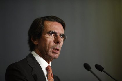 Aznar echa en falta líderes liberales y dice que