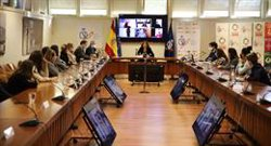 Lozano se reúne con las capitanas de Primera para avanzar la profesionalización del fútbol femenino