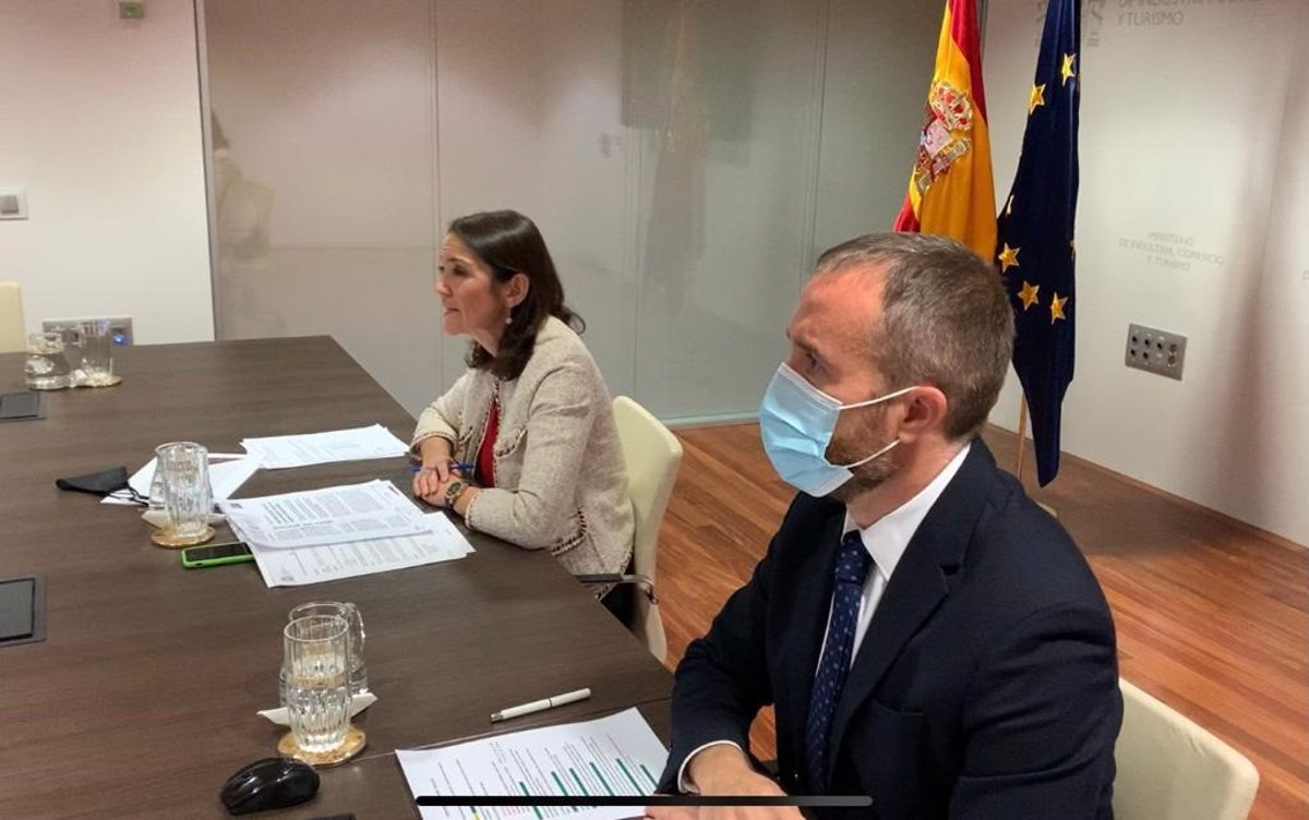 España lanza la campaña Travel Safe para recuperar la confianza del viajero - Descubrir