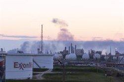 La SEC investiga a la petrolera ExxonMobil por sobrevalorar varios de sus activos, según 'WSJ'