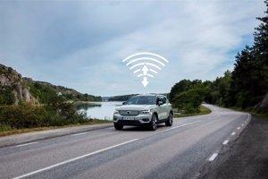 Volvo actualiza de forma inalámbrica el software de su XC40 Recharge