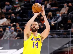 Los Lakers rompen la mala racha ante Portland y los Clippers se 'vengan' de Memphis