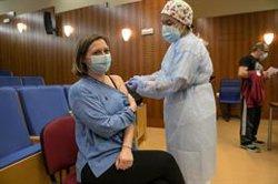 Centros de idiomas piden que sus profesores sean vacunados al mismo tiempo que los que imparten enseñanzas regladas