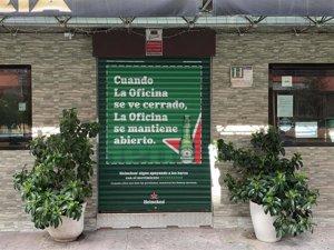 Heineken refuerza su apoyo a la hostelería con #FUERZABAR a través de sus persianas