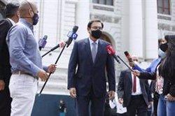 La Comisión del Congreso de Perú aprueba el informe que busca inhabilitar al expresidente Vizcarra