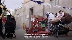 Fundación Madrina invita a Iglesias a ayudarles en un reparto de comida, tras aparecer en su vídeo de campaña