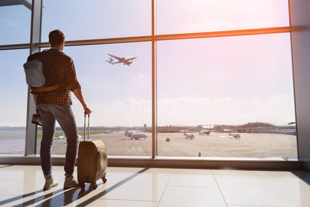 España anuncia en la Cumbre del Turismo que implantará en junio el certificado digital - Descubrir