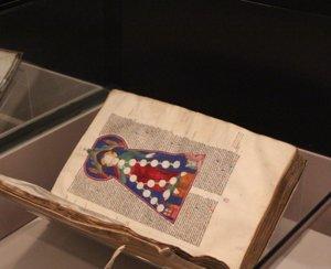 La Biblioteca Nacional aporta luz a la Edad Media con más de medio centenar de manuscritos 'iluminados'