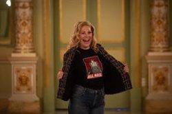 Sondra Radvanovsky se convierte en las reinas María Estuardo, Ana Bolena e Isabel I en el Liceu