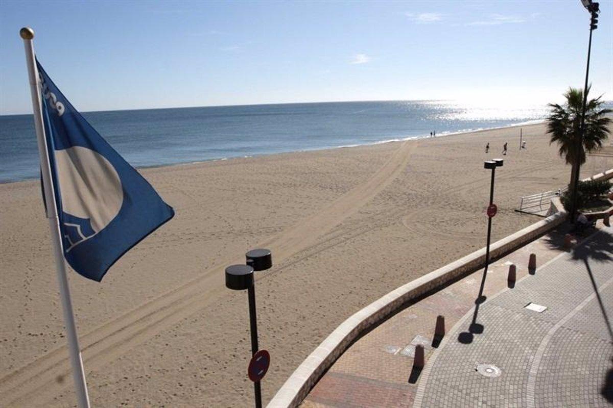 España lucirá 713 Banderas Azules este verano y mantiene su liderazgo internacional - Descubrir