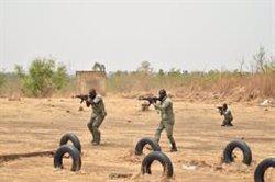 España, pendiente de Francia y la UE para esclarecer el futuro de su participación militar en Malí