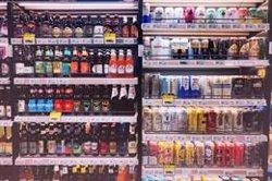 Los mayores de 64 consumen menos alcohol y tabaco que los jóvenes pero más hipnosedantes y analgésicos, según Sanidad