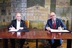 Administradores de fincas y arquitectos firman un acuerdo para impulsar la rehabilitación de edificios