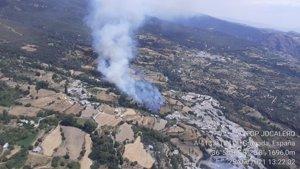 Declarado un incendio en La Taha (Granada) que moviliza 80 bomberos y seis medios aéreos