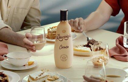 Pernod Ricard España presenta su nueva botella de Ruavieja 100% reciclable
