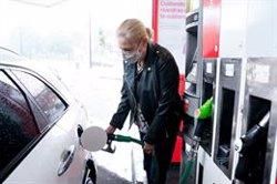 El consumo de los combustibles de automoción repunta un 24,5% en junio y supera ya niveles de 2019