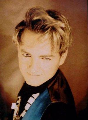 Fallece el cantante de 'La Década Prodigiosa', Carmelo Martínez