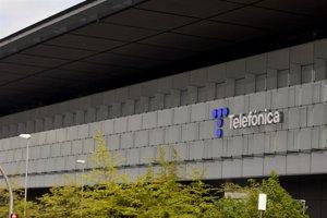 Telefónica sube un 3% y recupera los cuatro euros por acción
