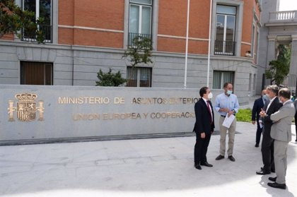 Albares visita la nueva sede de Exteriores, encargada hace cinco años y que espera reestrenar