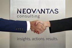 La banca debe mejorar la medición de la satisfacción de sus clientes, según Neovantas