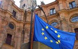 La Eurocámara da luz verde a la nueva 'Tarjeta azul' para atraer migrantes altamente cualificados a la UE
