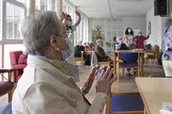 Patronales de Dependencia celebran la tercera dosis para los mayores de residencias