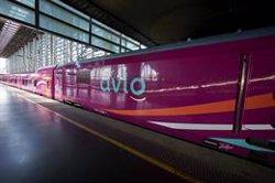 El tren entre Madrid y Barcelona ya supera el tráfico anterior al Covid gracias a la entrada del low cost