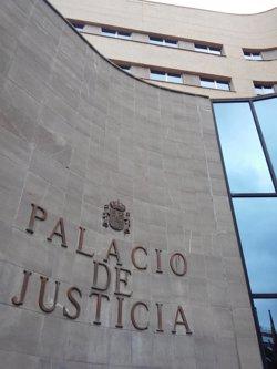 Piden más de 12 años de cárcel para un hombre por abusar de la hija de su novia, menor de edad, en Tenerife