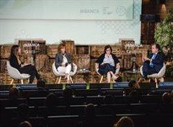 Abanca promueve la reflexión sobre la sostenibilidad en el sistema financiero y empresarial en Oporto