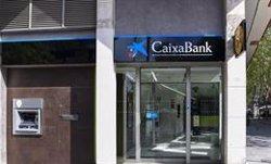 La banca cerró oficinas a un ritmo de diez al día durante la primera mitad de 2021